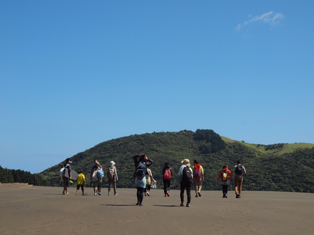 ワイナム ベセルズ ビーチ 湖 オークランド ハイキング トレッキング イベント ガイド グループ 砂丘